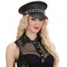 Gorra de cuero con cadena