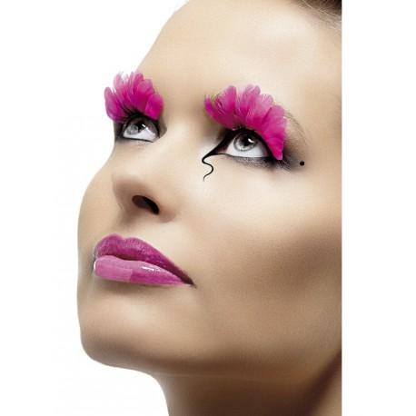 Pestañas con plumas rosas