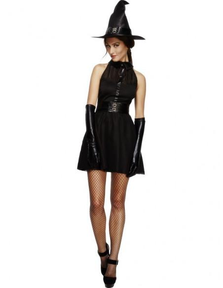 Bruja negra elegante
