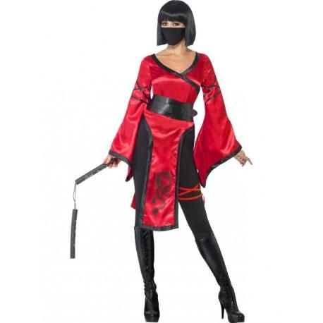 Ninja de la sombra con Nunchakus