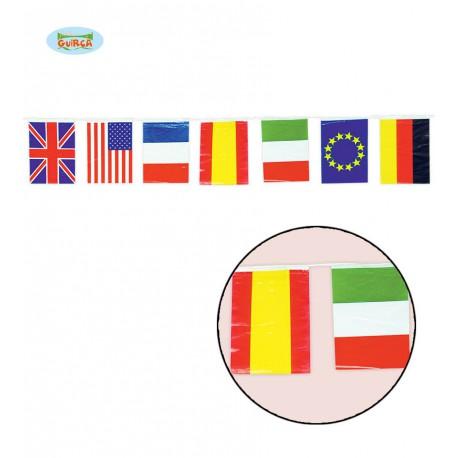 Guirnalda de plástico con banderas